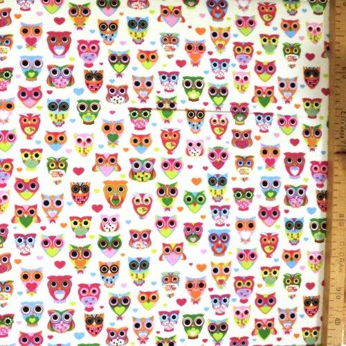 Dětská látka závěsy polštáře barevné drobné sovy světlá bílá