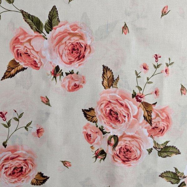 Česká bavlněná látka růže na světle béžové kytičky květiny lístky světlá na patchwork závěsy