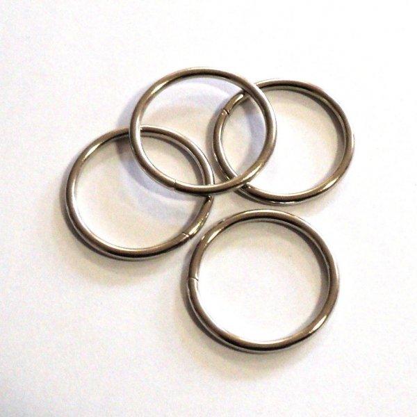 Kroužek nikl, vnitřní rozměry 30 mm, síla drátu 2,5 mm