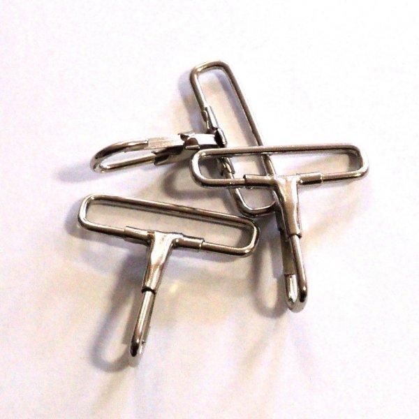 Kovová karabinka v povrchové úpravě nikl pro šířku popruhu 40 mm