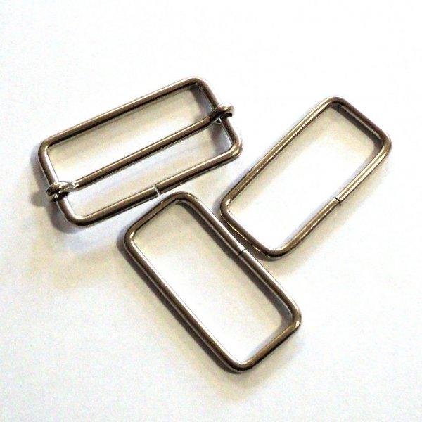 Rámek nikl, vnitřní rozměry 39 mm a 17 mm, síla drátu 2,8 mm.