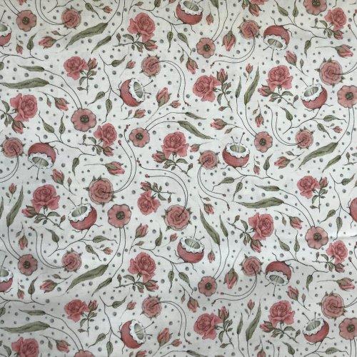 květinová bavlněná látka z Ameriky růžové květy zelené lístky bílé na pathcwork 1649-24706-E Quilting Treasures