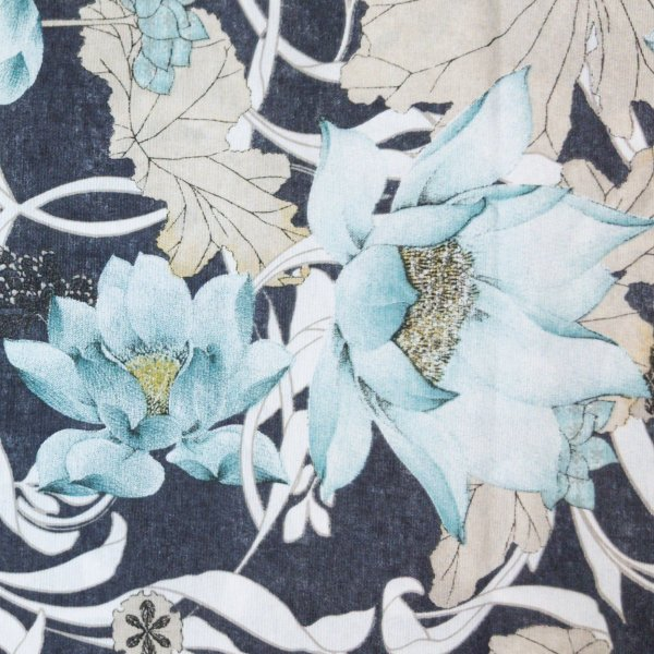 režná dekorační látka velké květy na námořní modré riflové džínové