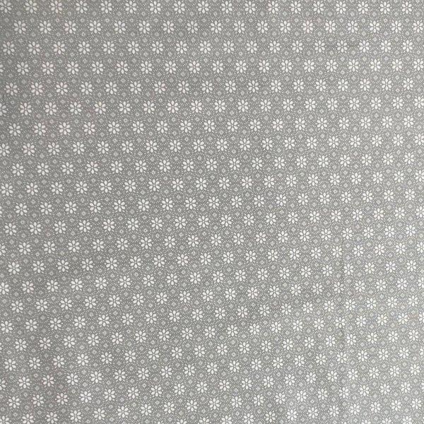 květinová bavlněná látka 100 bavlna na dekorace patchwork bílé na světle šedé