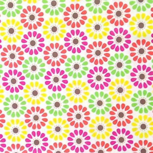 Americká dovozová látka 100 bavlna barevné kytičky na bílé dětské miminkovské