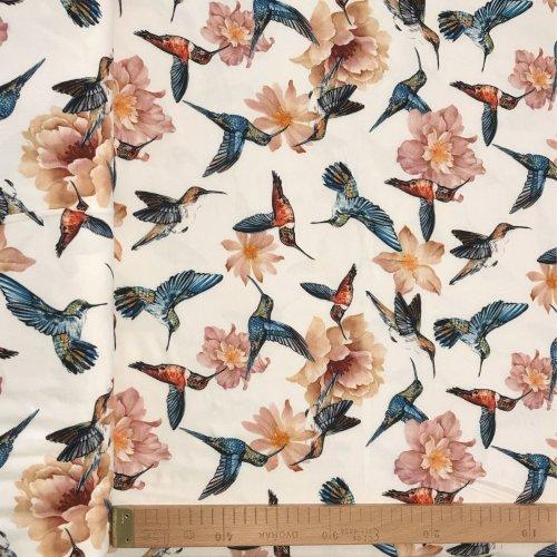 Viskózová šatovka úplet kolibříci na bílé květy digitální tisk kvalitní krásná látka na letní šaty